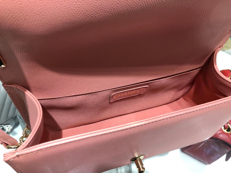 Chanel(香奈儿)Leboy 球纹皮配搭复古砂金 奶昔粉 25cm