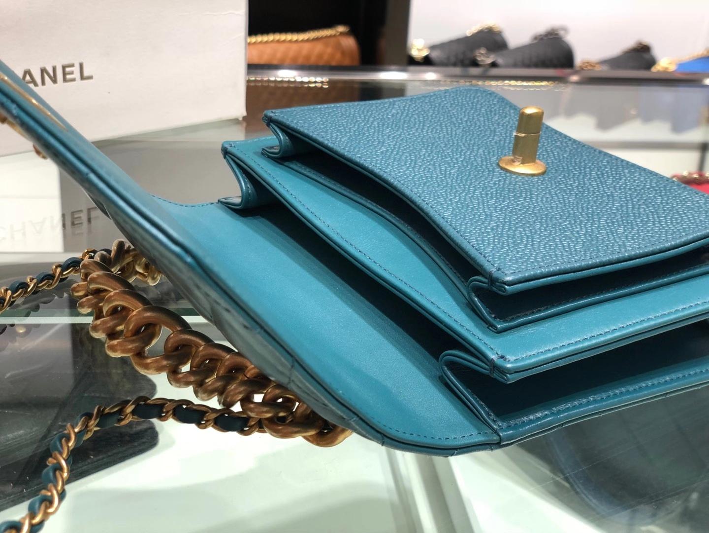 Chanel(香奈儿)小挎包 湖蓝色 五金链条包