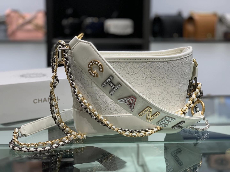 Chanel(香奈儿)𝖌𝖆𝖇𝖗𝖎𝖊𝖑𝖑𝖊 流浪包 白色 小牛皮 羊毛毛毡 金色 银色 钌色金属 20cm