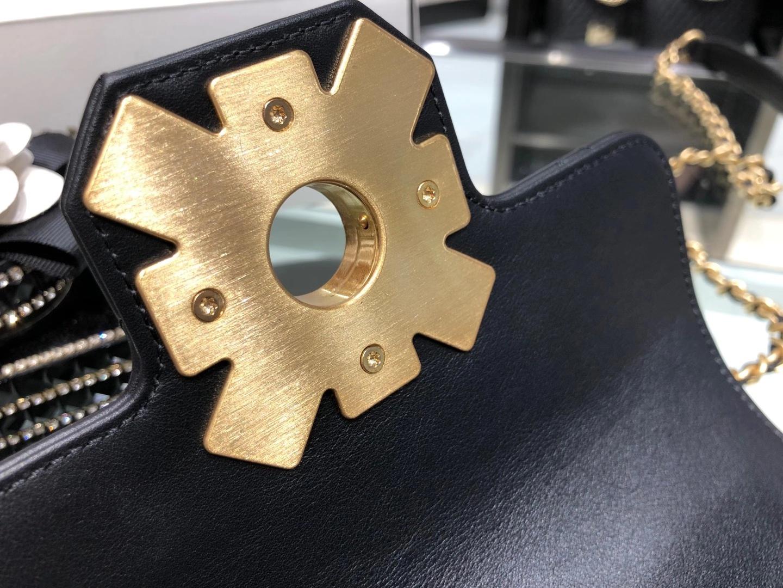 Chanel(香奈儿)Coco King Dom 复古小方包口盖包 五金融入了宝石玛瑙元素