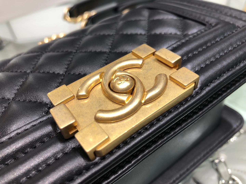 Chanel(香奈儿)Leboy 黑色 小羊皮配搭复古砂金 20cm
