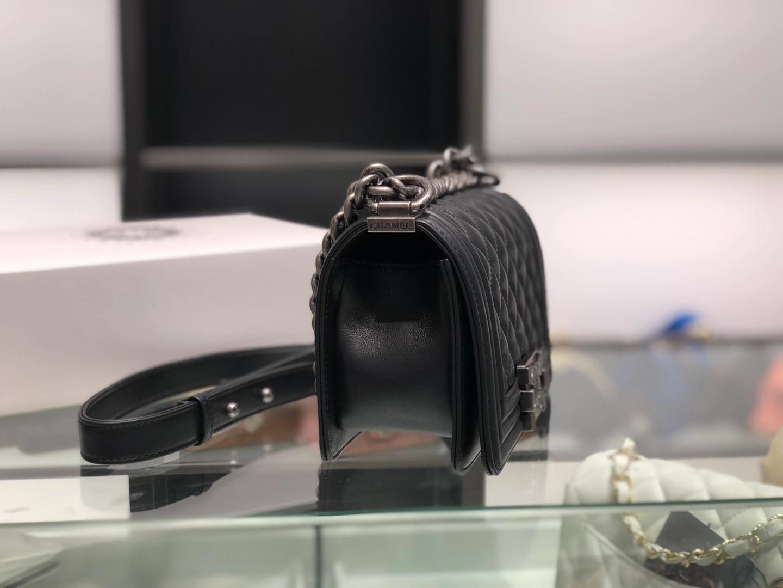 Chanel(香奈儿)Leboy 黑色 小羊皮配搭复古砂银 20cm