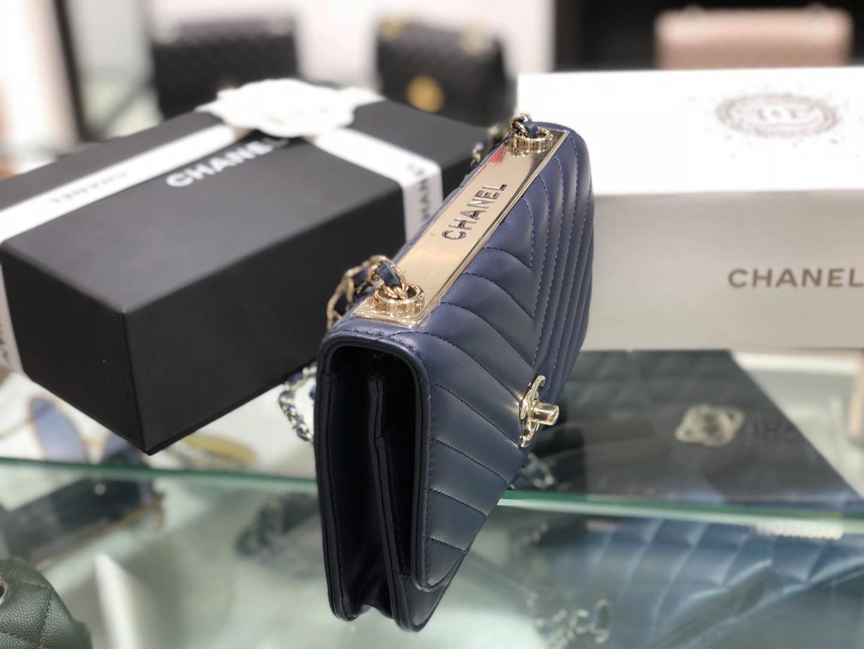 Chanel(香奈儿)Trendy cc woc链子包 深蓝色 12.3×19.2×3.5cm