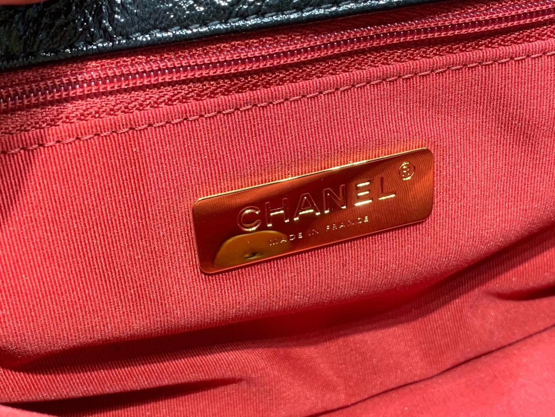 Chanel(香奈儿)2020 新款 19bag 漆皮系列 黑色 金链金扣 26cm