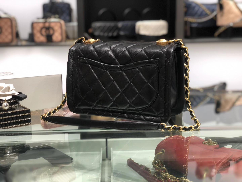 Chanel(香奈儿)𝟮𝟬𝟮𝟬 复古纽扣包 黑色 金链 金扣 𝟮𝟱𝓬𝓶