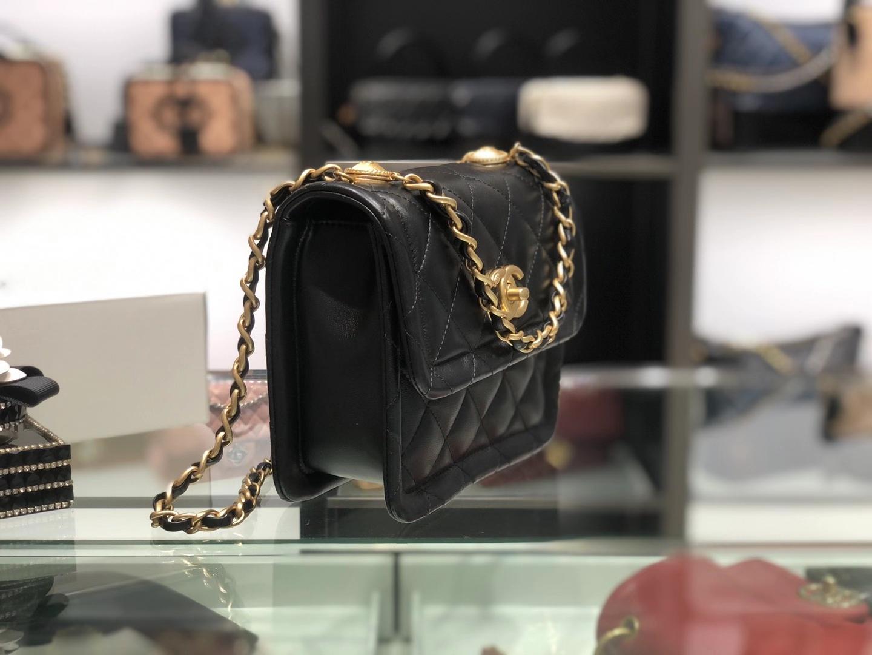 Chanel(香奈儿)𝟮𝟬𝟮𝟬 复古纽扣包 黑色 金链 金扣 19𝓬𝓶