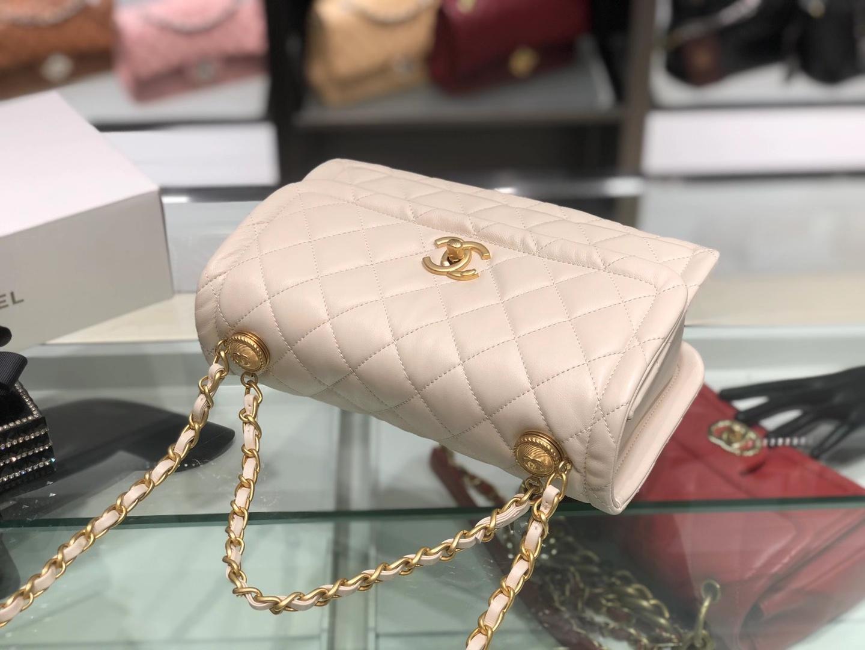 Chanel(香奈儿)𝟮𝟬𝟮𝟬 复古纽扣包 白色 金链 金扣 𝟮𝟱𝓬𝓶
