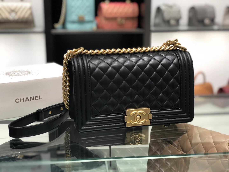 Chanel(香奈儿)Leboy 小羊皮配搭复古砂金 黑色 25cm