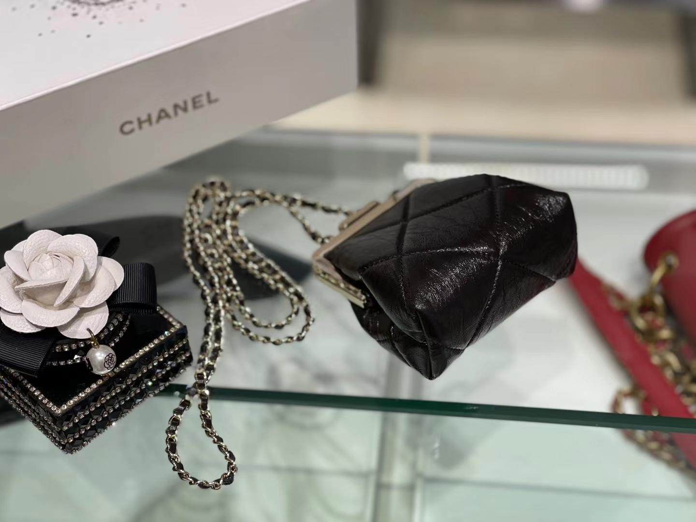 Chanel(香奈儿)2021 kiss lock mini 链条夹子包 黑色 10×12×5cm