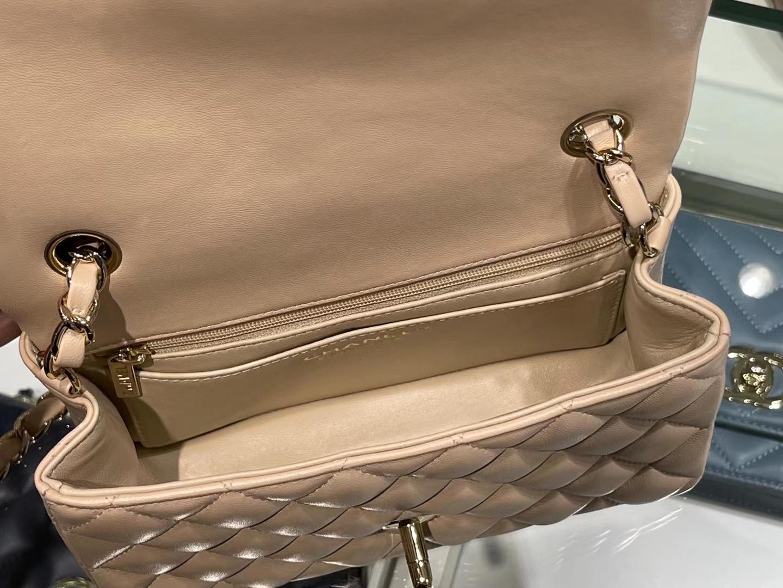 Chanel(香奈儿)Ohanel CF 链条包 米黄色 金链 金扣 20cm