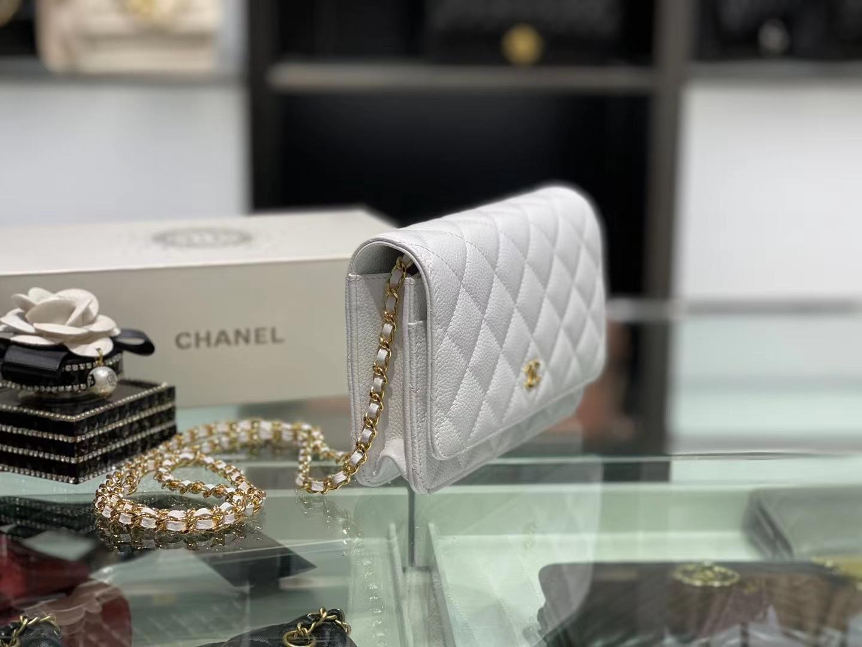 Chanel(香奈儿)woc 经典鱼子酱牛皮 奶昔白 金扣